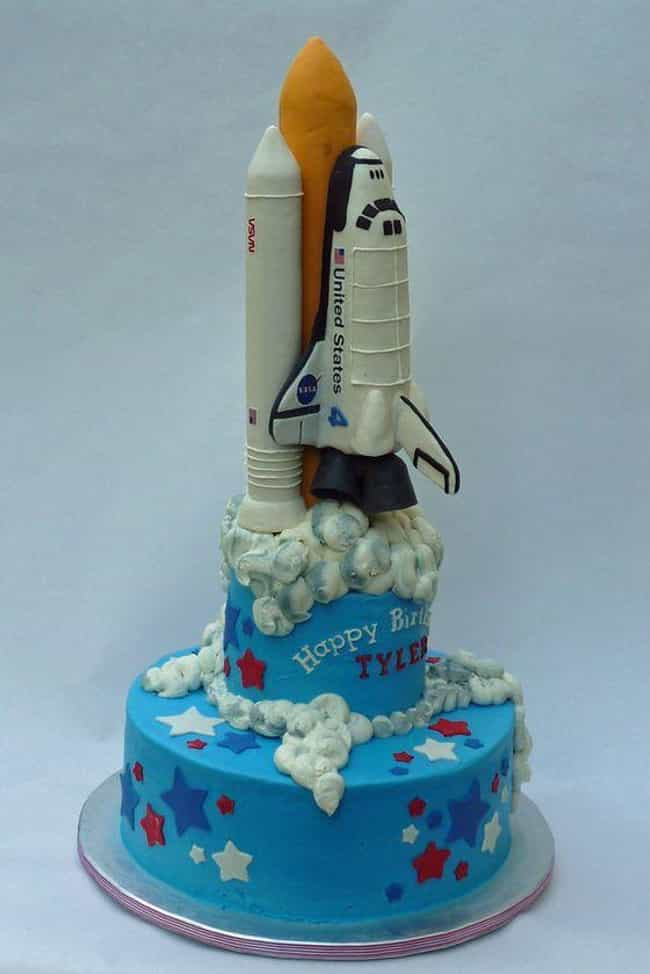36 Space Cakes That Are Out Of This World