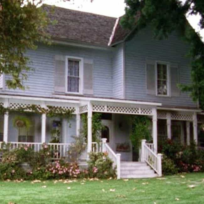 One of a Kind Homes is listed (or ranked) 4 on the list The Biggest Reasons Living in Stars Hollow Would Be the Best