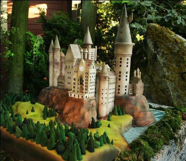 Welcome to Hogwarts is listed (or ranked) 3 on the list 26 Amazing Nerdy Cakes That Are Too Geeky to Eat