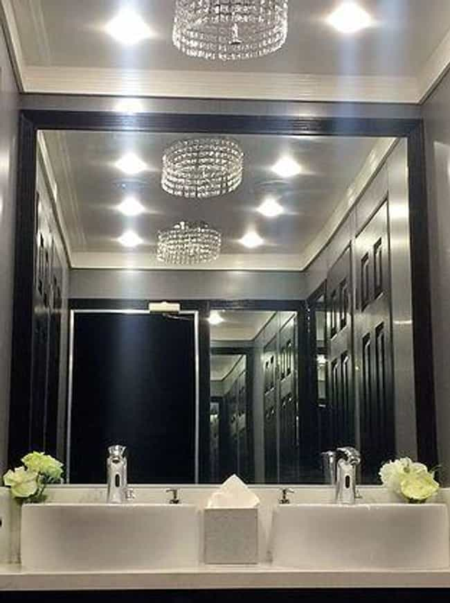 This Luxury Model That's N... is listed (or ranked) 4 on the list Fancy Shmancy Porta Potties You Should Check Out