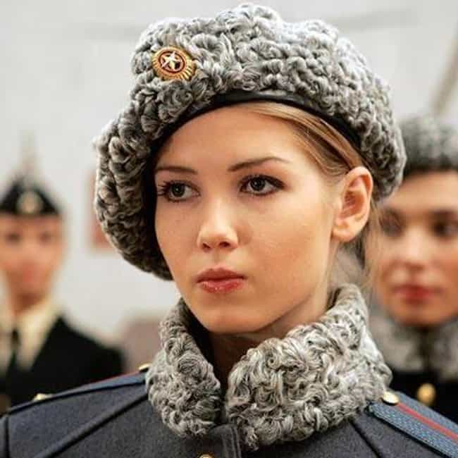Makes that hat look good is listed (or ranked) 4 on the list The Most Stunning Female Soldiers Around The World