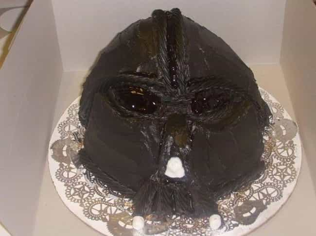 Luuuuuuuke is listed (or ranked) 1 on the list 24 Nerdy Cakes That Were Total Fails