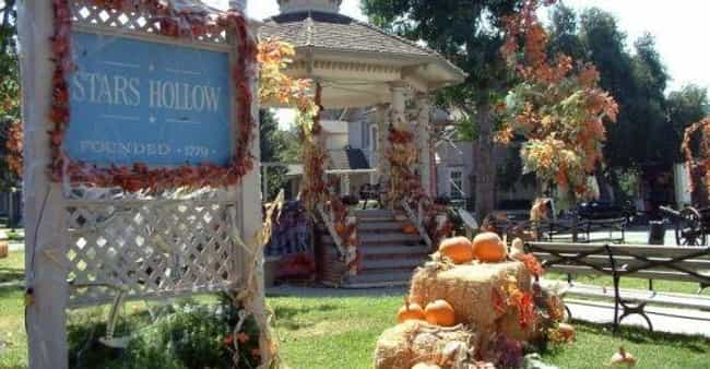 Stars Hollow is listed (or ranked) 1 on the list The Best Small Towns in Television History