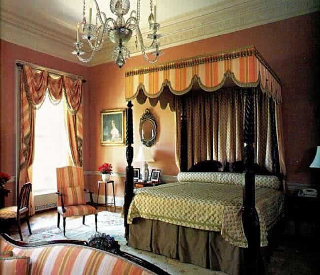 Queen's Bedroom is listed (or ranked) 2 on the list The Coolest Rooms in the White House (And What Happens in Them)
