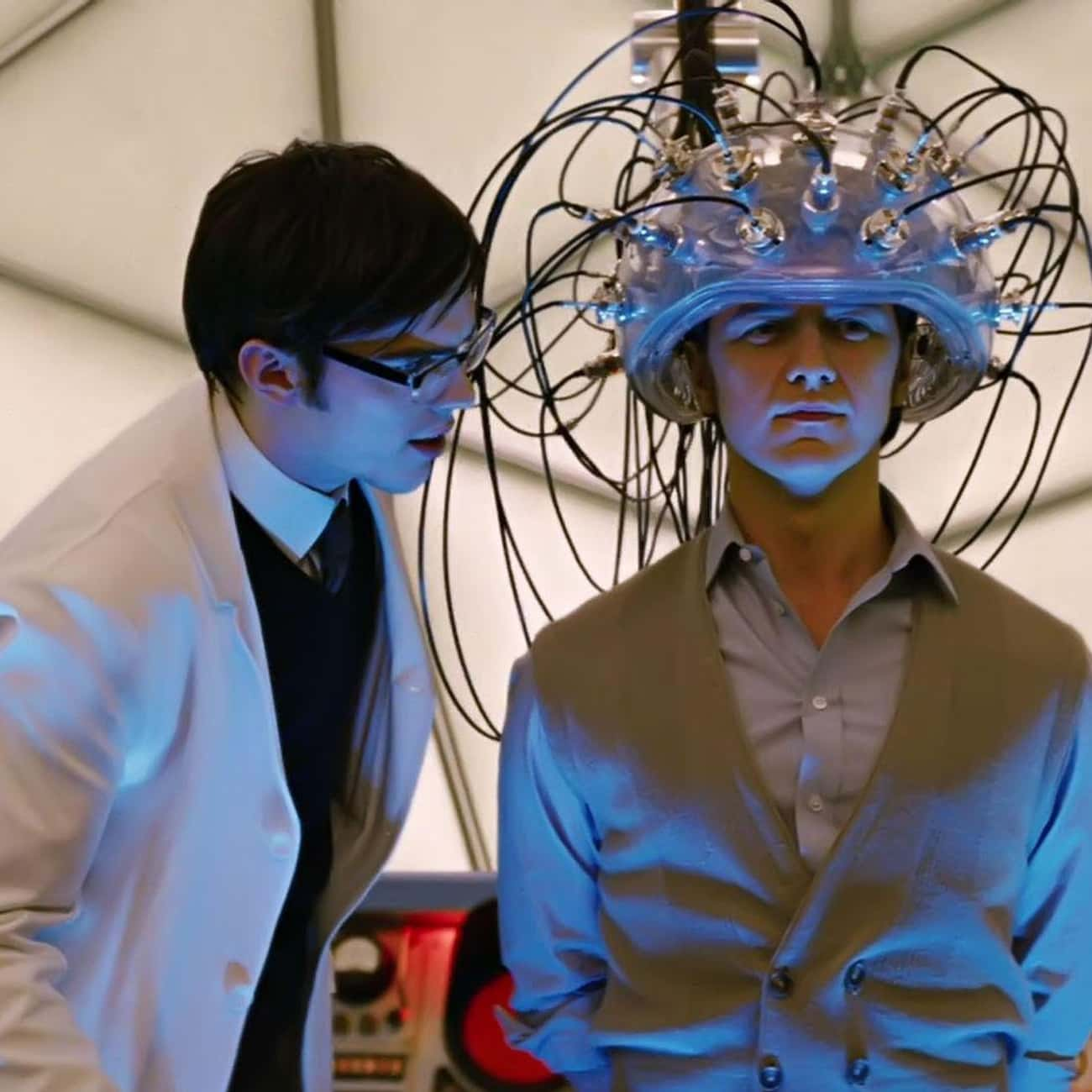 Hank McCoy built Cerebro but X is listed (or ranked) 4 on the list The Biggest Plot Holes in the X-Men Movies