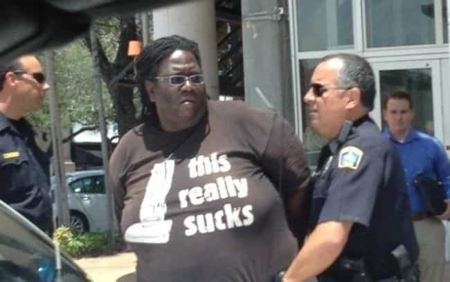 25 People Who Were Wearing the Right Shirt at the Right Time