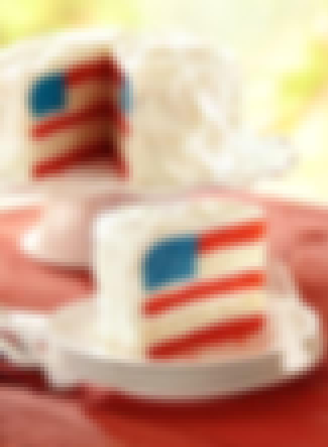 "American Flag Cake is listed (or ranked) 4 on the list The Coolest ""How Did They Do That?"" Cakes"
