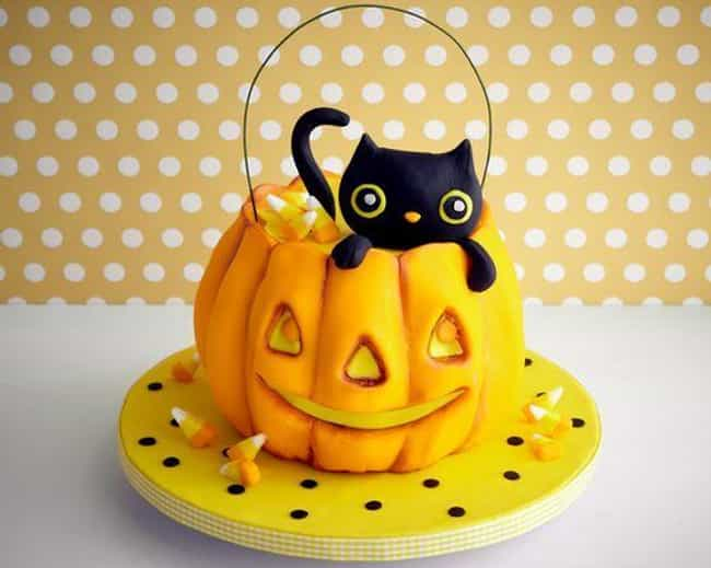 """Kitty Cat Pumpkin Cake is listed (or ranked) 4 on the list The Coolest """"How Did They Do That?"""" Cakes"""