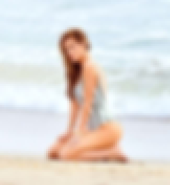 Praise the ocean is listed (or ranked) 4 on the list The 20 Sexiest Bella Thorne Pics