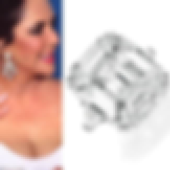 Elizabeth Taylor's 33-carat D-... is listed (or ranked) 2 on the list Battle of the Bling: Celebrity Diamond Rings