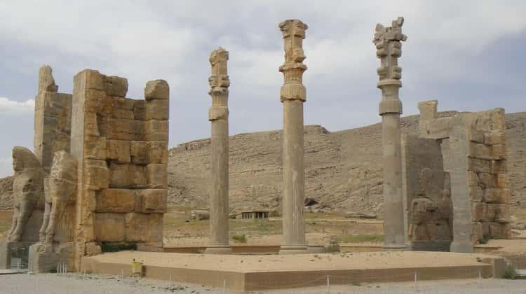 Alexander the Great Sacked Persepolis in a Drunken Rage