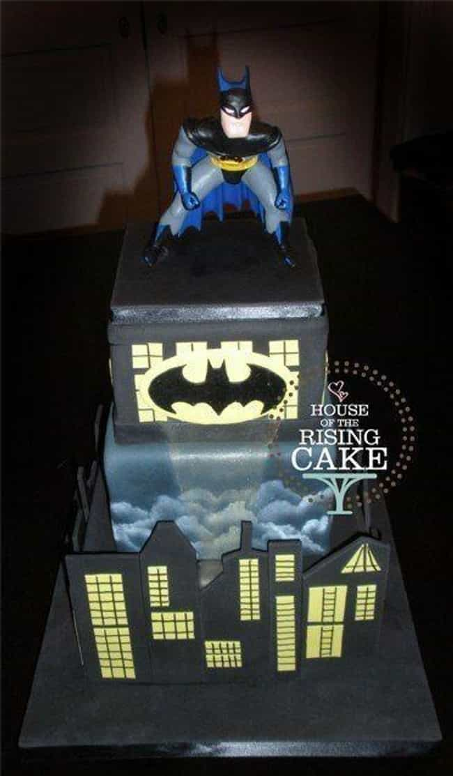 The Dark Cake Rises is listed (or ranked) 3 on the list The Most Amazing Cakes Inspired by Comic Books