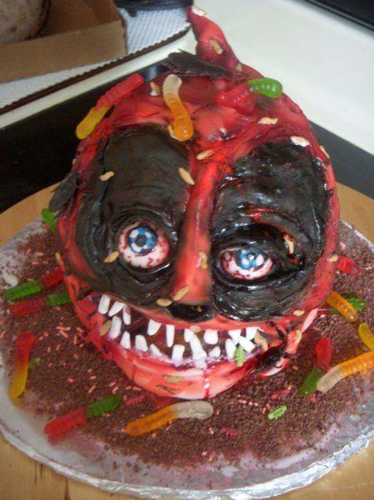 The Deadpool Cake from Hell is listed (or ranked) 3 on the list Awful Comic Book Cake FAILs That'll Make You Hulk Smash