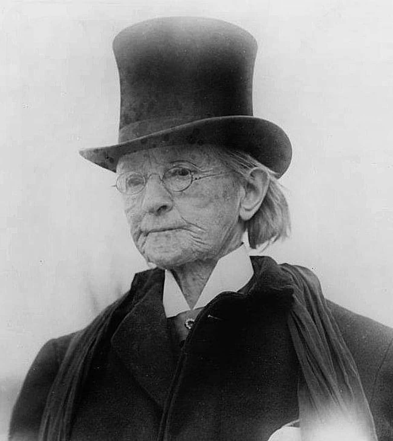 Dr. Mary Walker - Crossed Enemy Lines Alone to Provide Medical Assistance