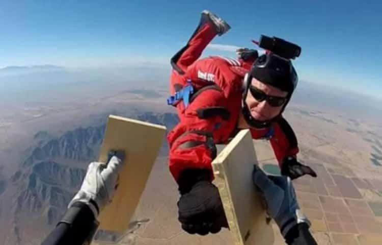 I Know Skydiving Kung Fu