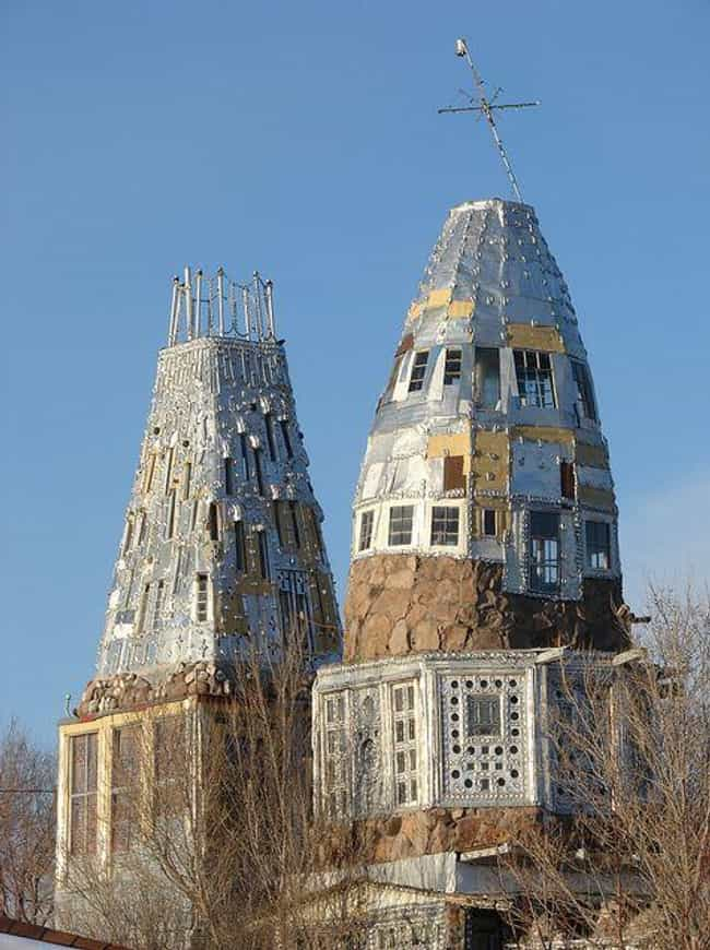 Cano's Castle is listed (or ranked) 2 on the list 11 Absurdly Crazy Buildings Made from Trash and Recycled Materials
