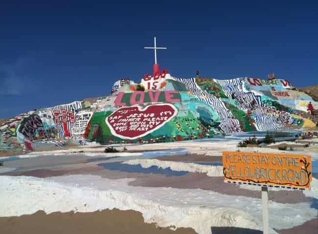 Slab City, CA ?C A Place Totally Off The Grid