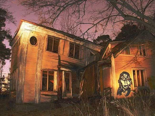 A Dilapidated Helsinki H... is listed (or ranked) 4 on the list 10 Creepy And Terrifying Houses In The Woods
