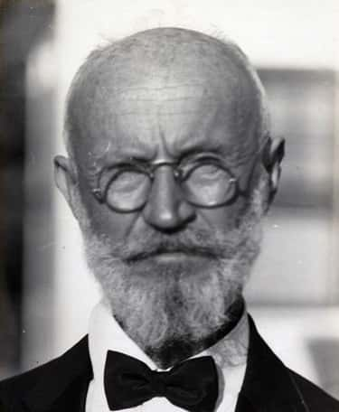 Carl Tanzler Lived With A Corpse For Over Seven Years Before He Was Discovered