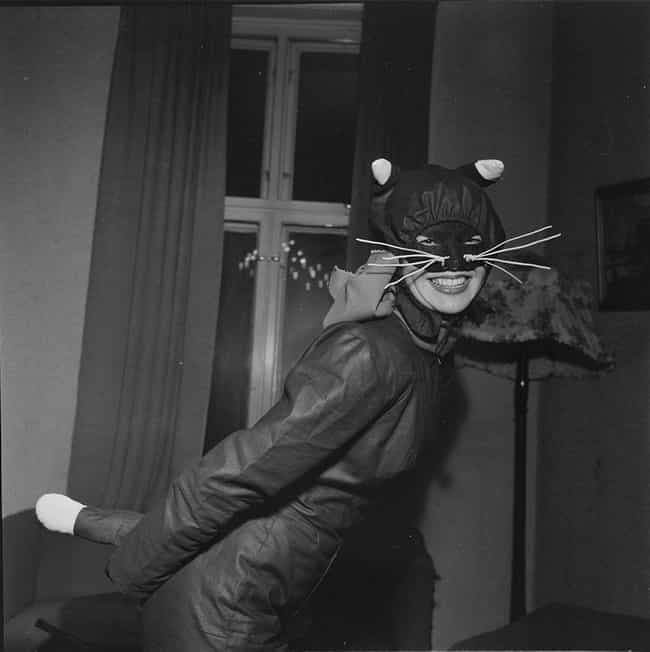 Black Cats is listed (or ranked) 2 on the list 12 Scary Halloween Symbols And Their Origins