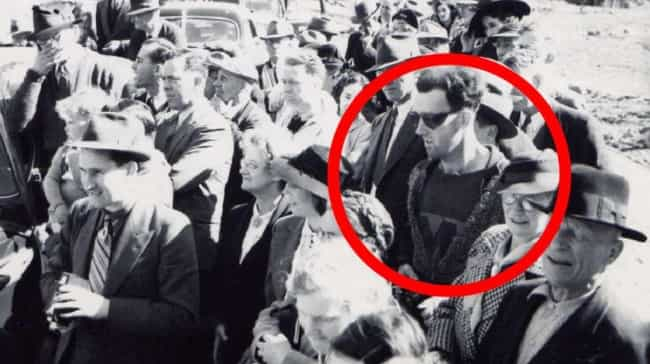 14 crazy pictures of people who might just be time travelers