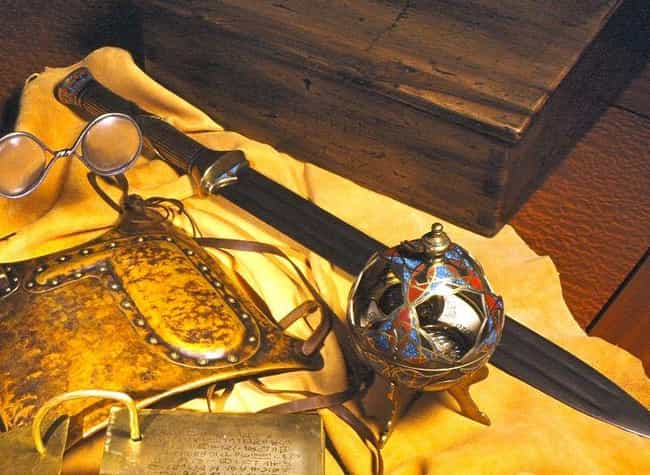 """The Sword of Laban, Used... is listed (or ranked) 4 on the list Joseph Smith's """"Magic"""" Glasses and Other Bizarre Objects from Mormonism"""