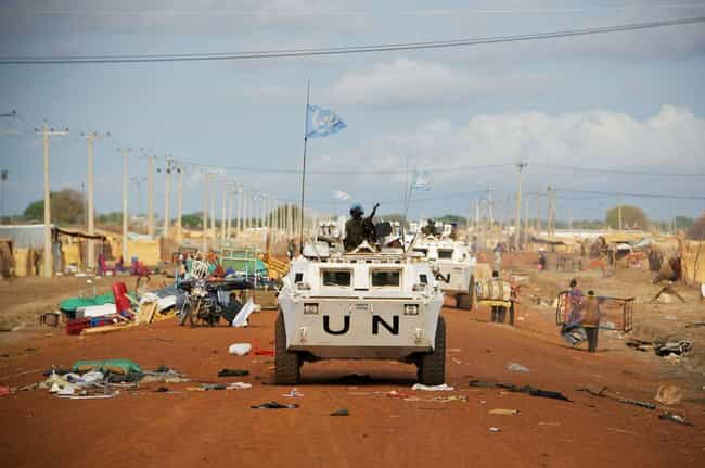 Sudan & South Sudan is listed (or ranked) 2 on the list 26 Striking Photos of Dangerous & Contested Borders Around the World