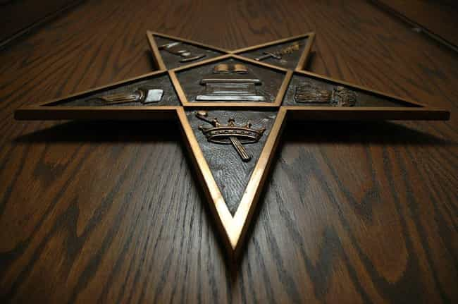 15 Common Freemason Symbols Youve Never Noticed Before