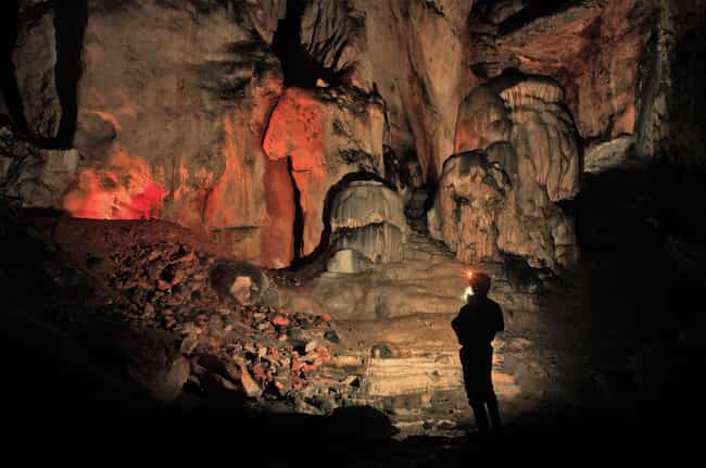 An Average of 20 Profess... is listed (or ranked) 4 on the list 11 Fascinating Facts About Extreme Spelunking