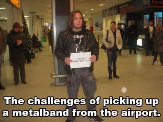 27 Amazingly Epic Airport Pickup Signs