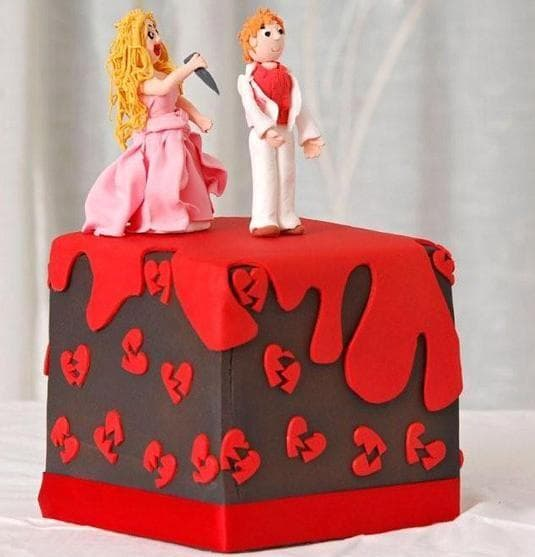 When She's A Back Stabber on Random Divorce Cakes That Are As Blunt As They Are Beautiful