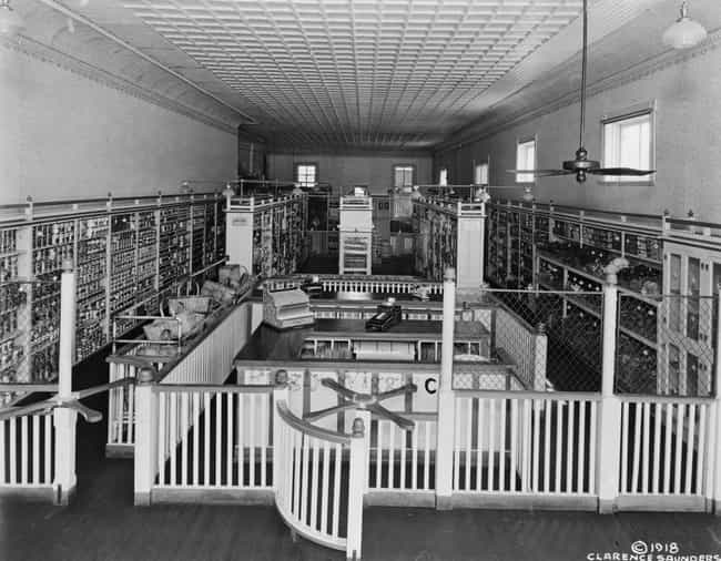 Piggly Wiggly, Memphis, ... is listed (or ranked) 1 on the list 30 Vintage Photos Of Grocery Stores That Are Beyond Fascinating
