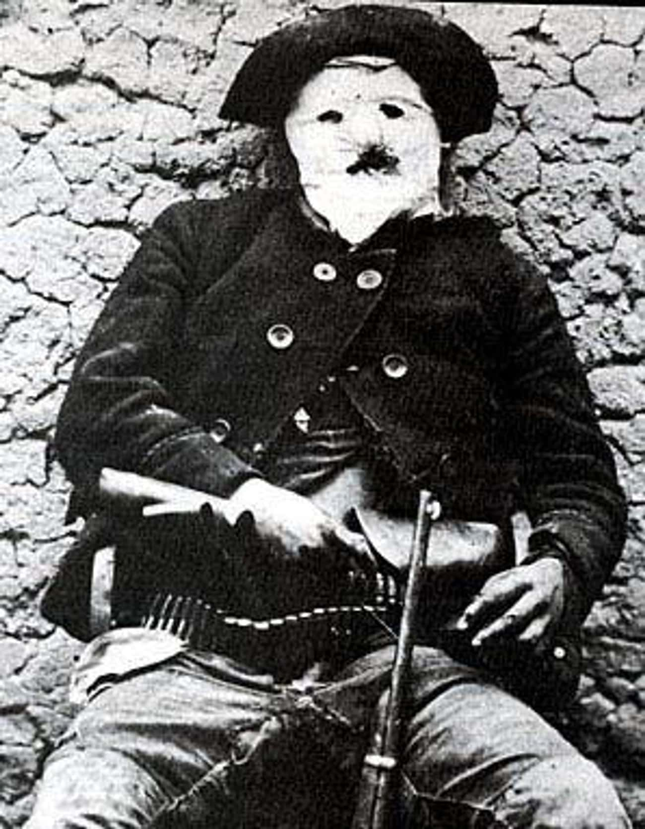"""Deceased Outlaw William """"Braze is listed (or ranked) 4 on the list 15 Unsettling Photos of the Wild West"""