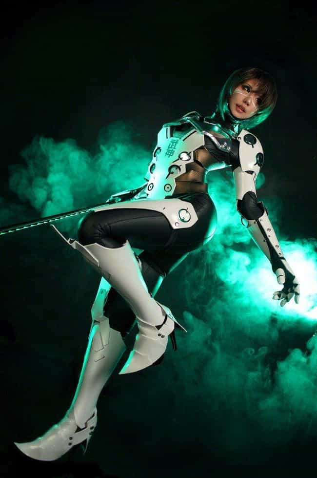 Genji Shows Cyber-Agility is listed (or ranked) 3 on the list 25 Brilliant Gender Bend Overwatch Cosplays