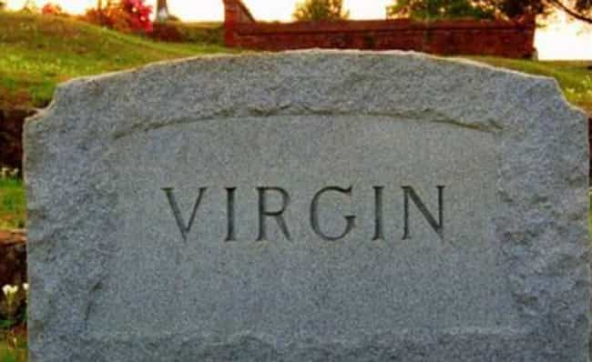 Tombstones Of People Who Had Really Unfortunate Names