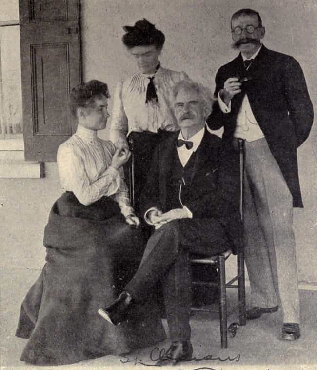 Helen Keller & Mark Twain, 190... is listed (or ranked) 2 on the list 14 Photos of Historical Legends Hanging Out With Each Other