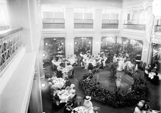 Marshall Field Tea Room, Chica... is listed (or ranked) 4 on the list 21 Striking Photos Showing How Department Stores Have Evolved Through History