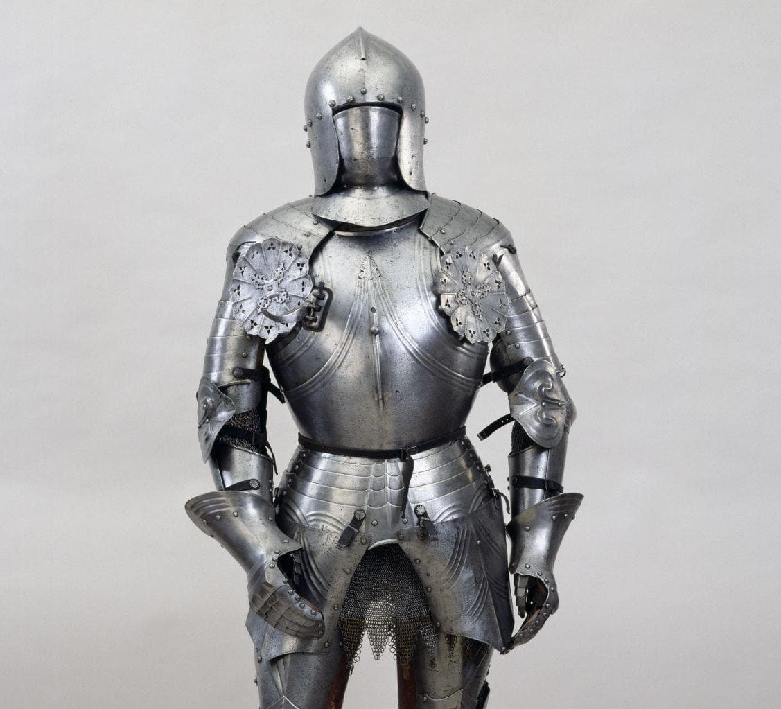 Random Ways Medieval Knight Armor Was More Dangerous Than Just Wearing Nothing