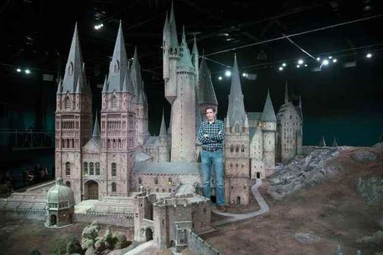 The Harry Potter Crew Looks Hagrid-Sized Next To Hogwarts