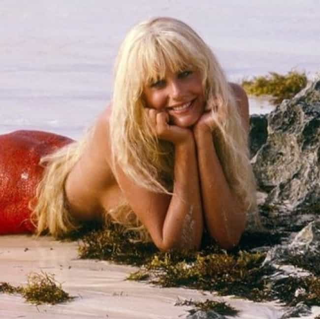 Hannah Says She Struggle... is listed (or ranked) 2 on the list What Happened To Daryl Hannah?