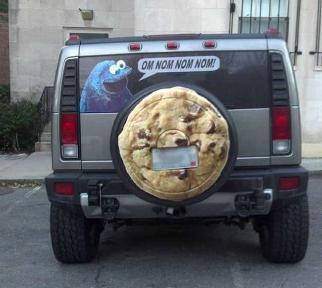 25 Hilarious Tire Covers Spotted On The Open Road