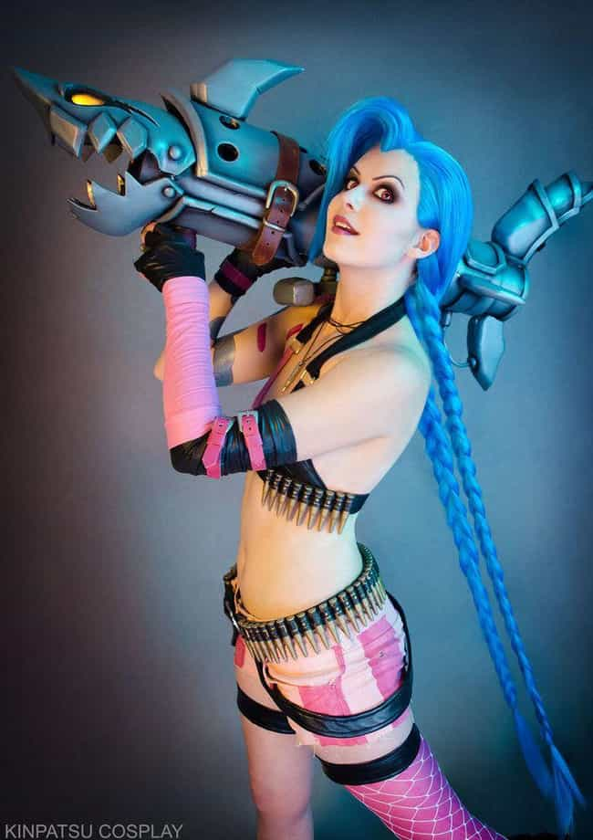 Jinx is listed (or ranked) 2 on the list 22 Gorgeous Outfits From Kinpatsu Cosplay, A Gaming Cosplay Queen