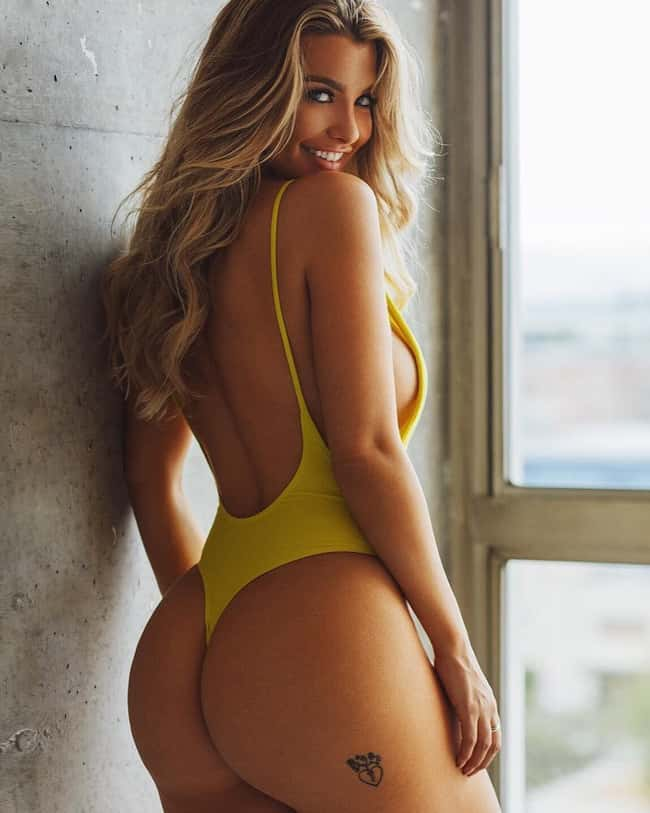 Full Moon is listed (or ranked) 11 on the list The Hottest Emily Sears Pictures
