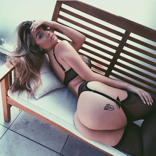 Relaxing on a Bench is listed (or ranked) 18 on the list The Hottest Emily Sears Pictures