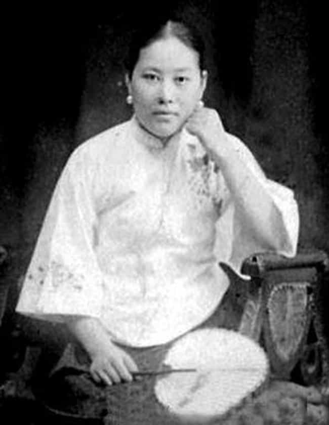 Shi Jianqiao Assassinate... is listed (or ranked) 3 on the list History's Most Fascinating Female Assassins