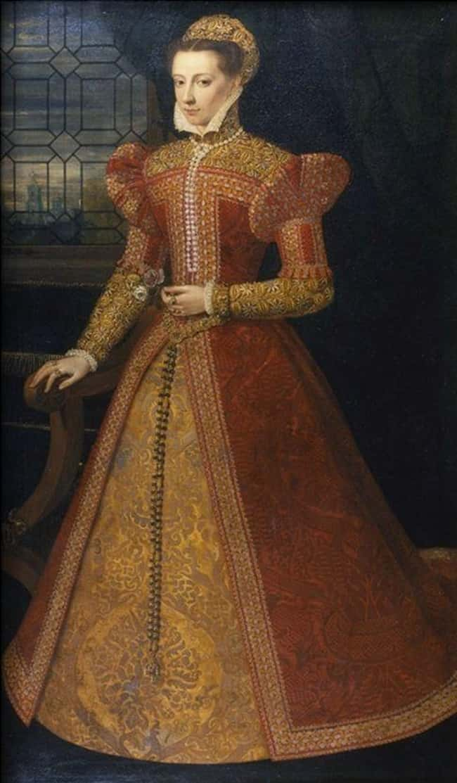 Elizabeth's Advisors Probably is listed (or ranked) 10 on the list 14 Tragic Facts About Mary, Queen of Scots, The Most Unlucky Queen In History