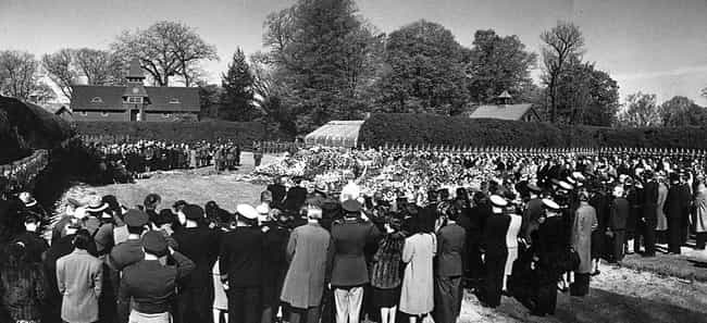 Franklin D. Roosevelt's ... is listed (or ranked) 2 on the list Engrossing And Somber Photos From US Presidential Funerals