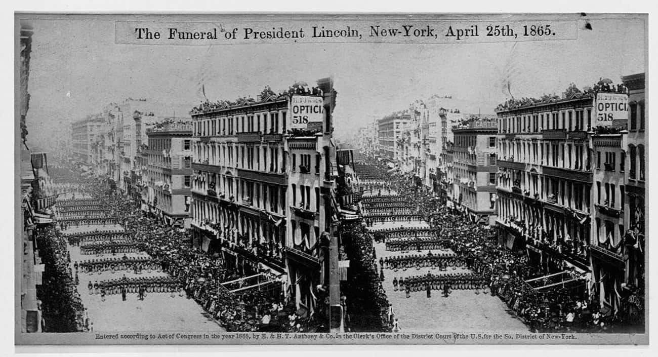 Mourners Watch Abraham Lincoln is listed (or ranked) 3 on the list Engrossing And Somber Photos From US Presidential Funerals
