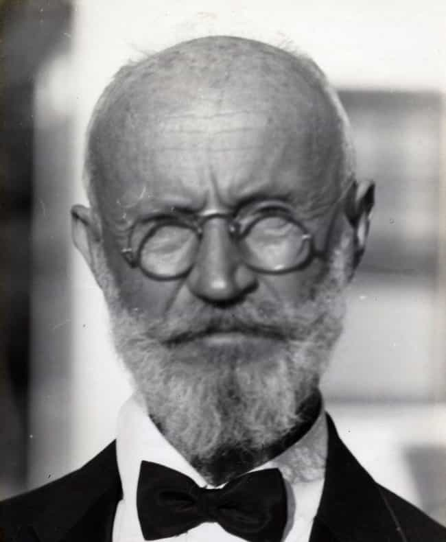 Tanzler Likely Had Relations W... is listed (or ranked) 1 on the list The Crazy Story Of Carl Tanzler And His Messed Up Relationship With A Corpse