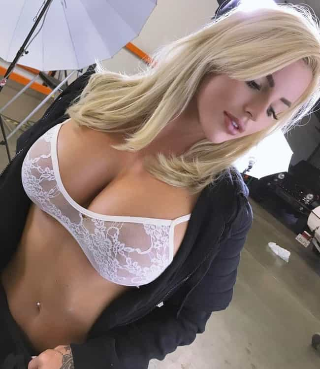 The Hottest Jessica Weaver Pictures